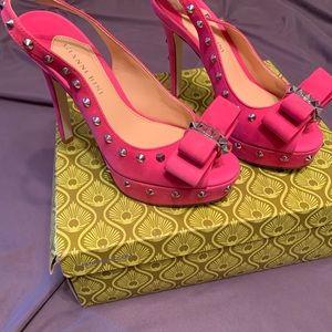 Gorgeous Gianni Bini high heels